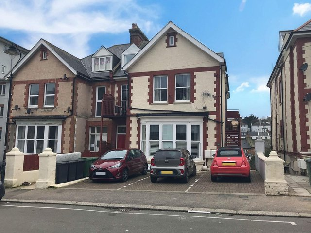 A spacious, two double bedroomed lower ground floor flat. A private patio seating area with a hugh area of communal garden with fenced boundaries. Price: £250,000.
