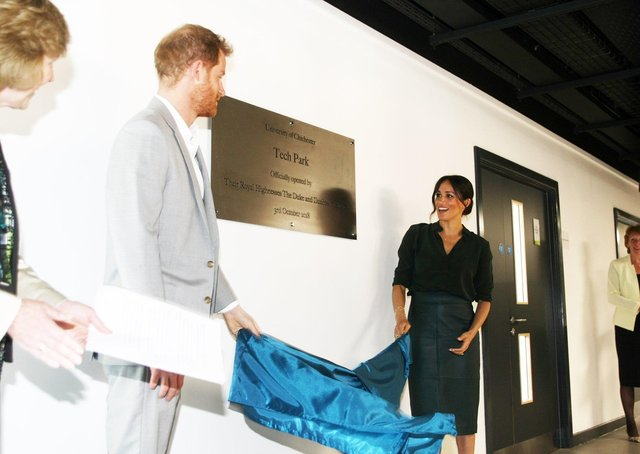 DM18100164a.jpg. Harry and Meghan, the Duke and Duchess of Sussex, open the University of Chichester's Tech Park. Photo by Derek Martin Photography SUS-180310-145902008