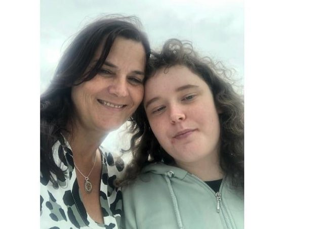 Beverley and her daughter SUS-210704-095502001