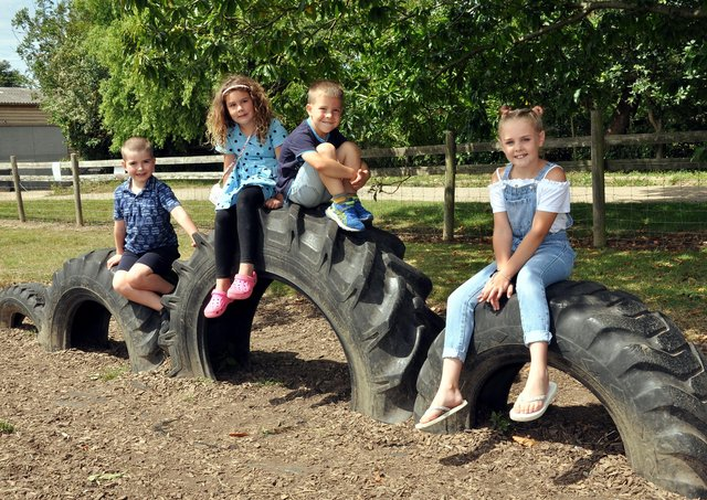 Sharnfold Farm playground SUS-210420-100713001