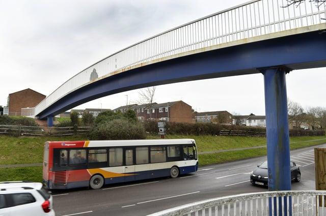 Langney footbridge (Photo by Jon Rigby) SUS-190121-121543008