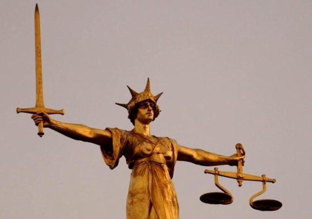 Scales of justice 1 SUS-210513-063913001
