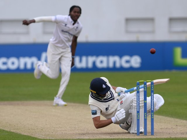 Jack Leaning of Kent avoids a bouncer from Jofra Archer / Picture: Getty