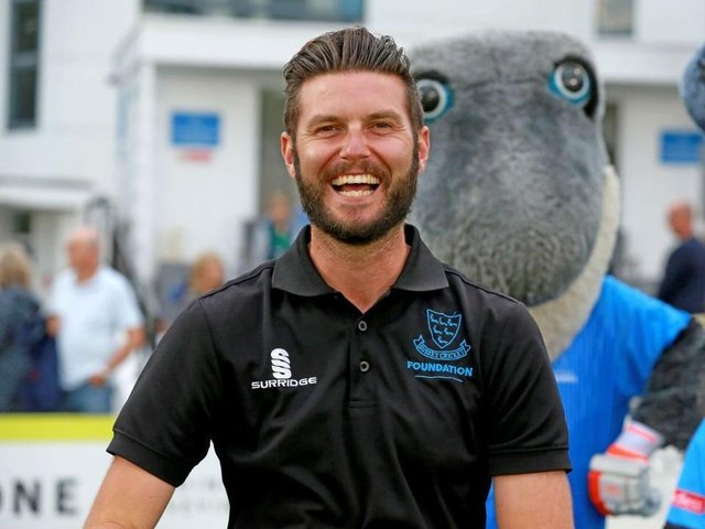 Gary Wallis-Tayler, watched carefully by Sid the Shark