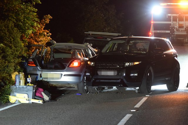 A three-vehicle collision led to a road closure on the A259 Exceat near Seaford last night. SUS-210206-075401001