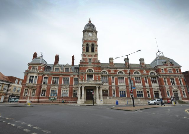 Eastbourne Town Hall SUS-210216-141625001