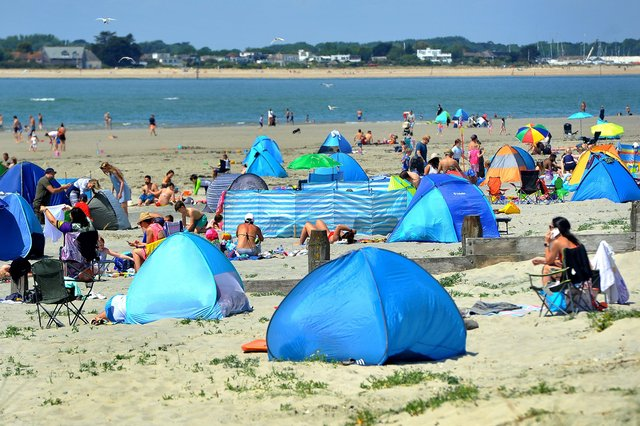 West Wittering beach. SR2005272 Pic Steve Robards SUS-200527-175427001