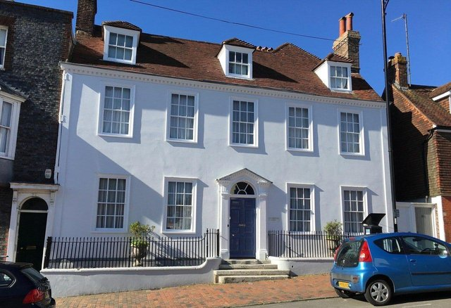 Hill Lodge, Lewes. Picture from Zoopla. SUS-210619-101923001
